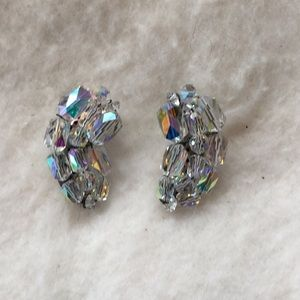Vintage crystal/glass clear clip on earrings